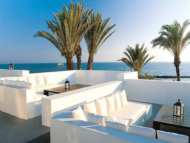almyra-chypre-terrasse